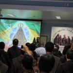 preghiera-in-assemblea-con-la-stauta-Madonna-di-Aparicida